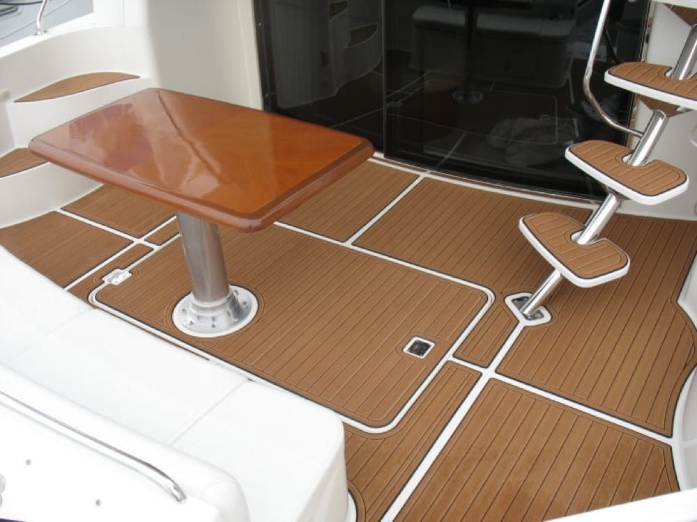 Cabin cruisers castaway customs for Best material for carpet
