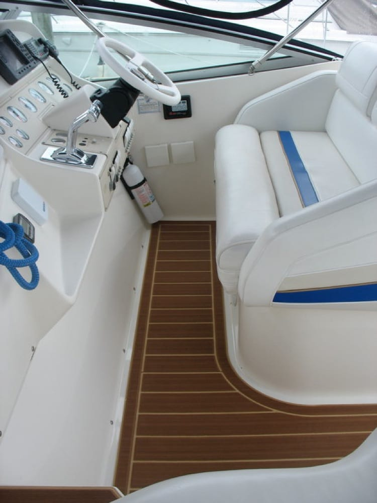 The helm pad in faux teak looks great