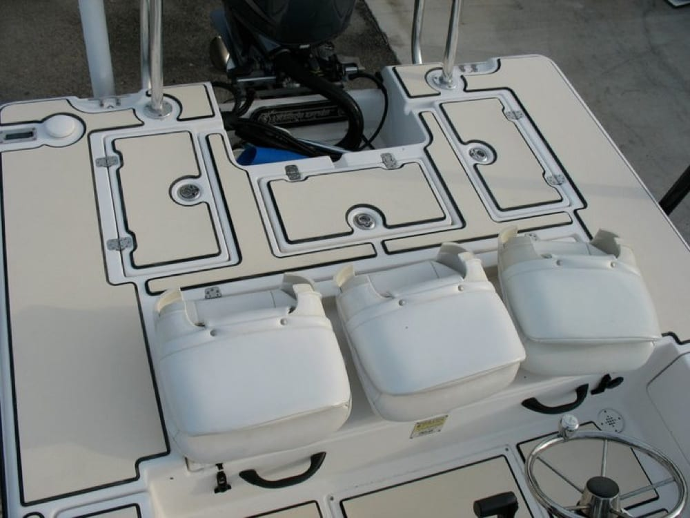 The rear deck, notice the detailed cut outs