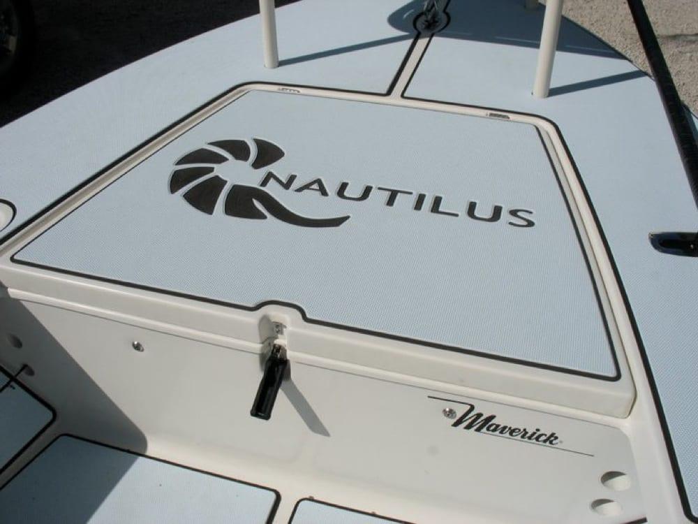 Custom Nautilus logo