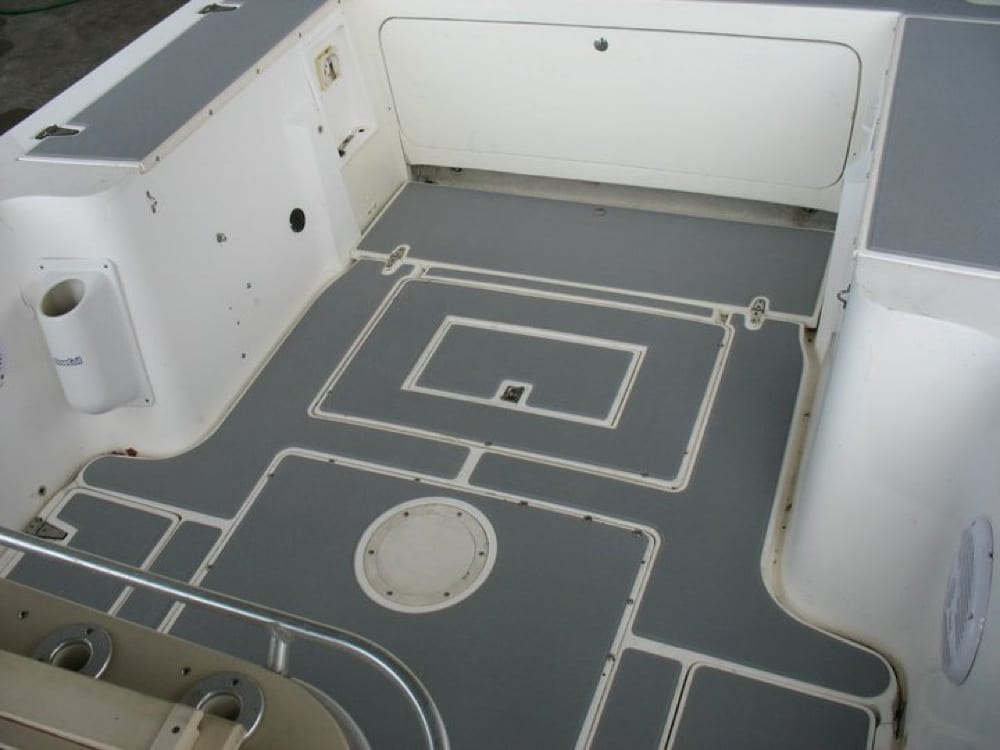 Rear cockpit floor