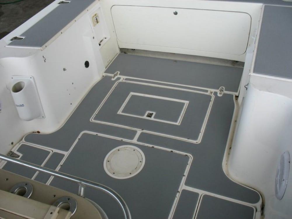 Rear cockpit floor