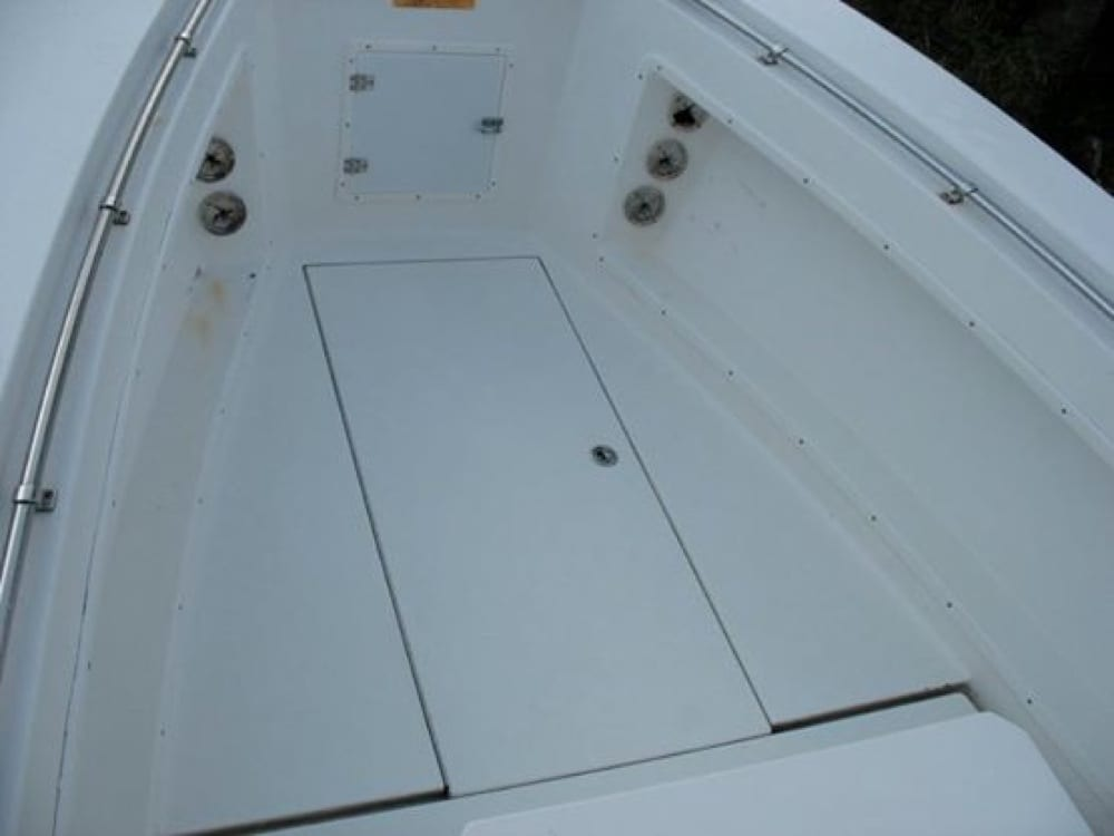 Bow area and fishbox before custom SeaDek