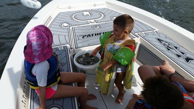 Castaway Customs Custom SeaDek Scalloping Crystal River Pathfinder Bay Boat